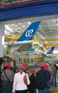 Los componentes de las primeras tripulaciones tuvieron ocasión de visitar el avión hace pocos días, con motivo de su estancia en el Airbus Training Centre.