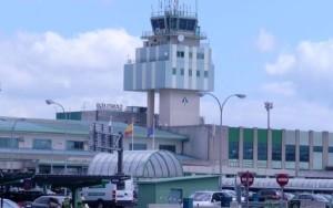 Santiago es uno de los aeropuertos en los que podría ser inminente el conflicto.