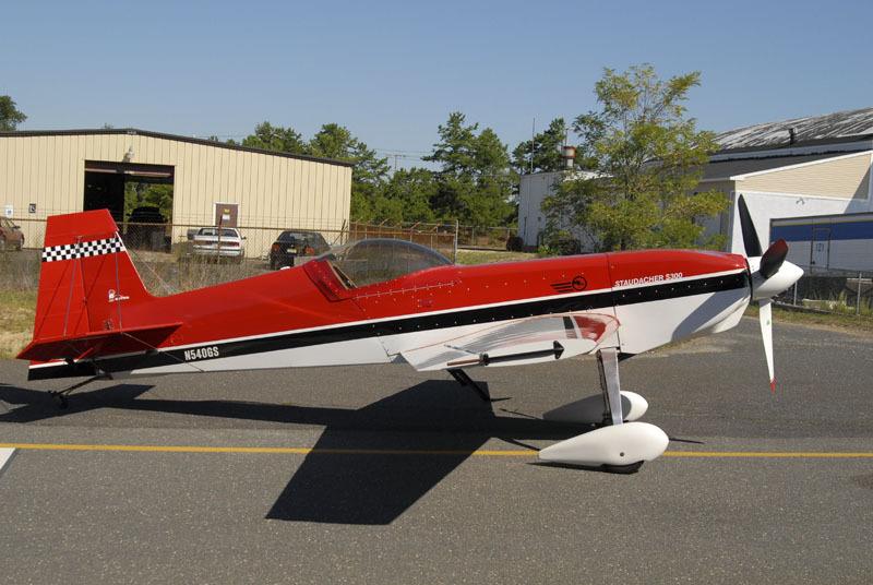 Staudacher S-300MG segundo avion de Gulian con alas recortadas y dos pies de pato por aleron
