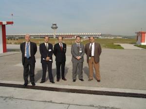 Miembros de la Vocalía Técnica visitan las recién inauguradas pistas de Barajas en 2006