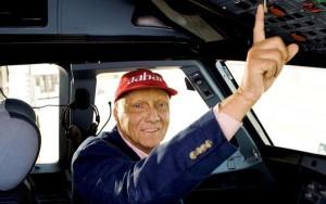 Lauda vuelve a pilotar su aerolínea.