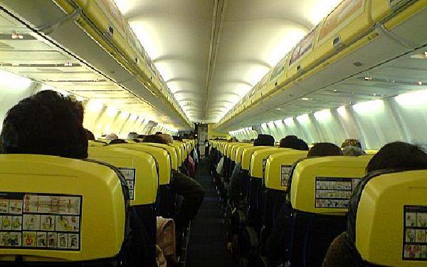 La asignación aleatoria rara vez comporta asientos contiguos.