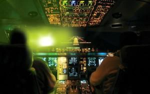 Los gamberros del láser siguen creando situaciones de peligro en las fases críticas del aterrizaje.