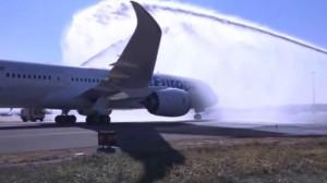 El nuevo avión de Air europa a su llegada a Barajas.