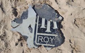 Uno de los rwestros hallados muestra claramente parte del logo de Rolls Royce.