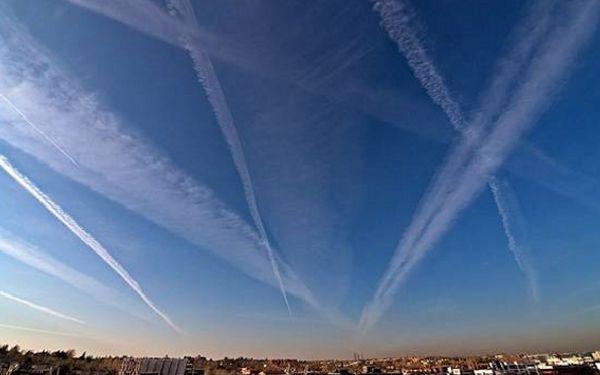 Las estelas de condensación ya forman parte del Atlas de las nubes.