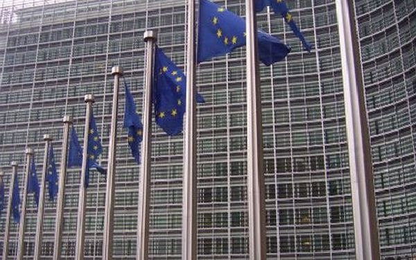 El acuerdo debe permitir mayor presencia europea en los aeropuertos orientales.