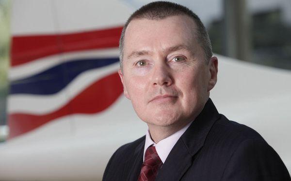 El CEO de IAG y presidente de la IATA opina que no rebajar tasas es una mala idea.