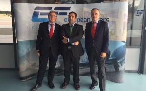 Prósper Serra, Director de Zona AA.FF. Antonio Valldecabres Blasco, Subdirector General Adjunto y Leonardo Falcó Director General de European Flyers, instantes antes de formalizar el acuerdo.
