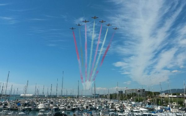 La patrulla Águila participando en la Festa al Cel en Mataró en una anterior edición del festival.
