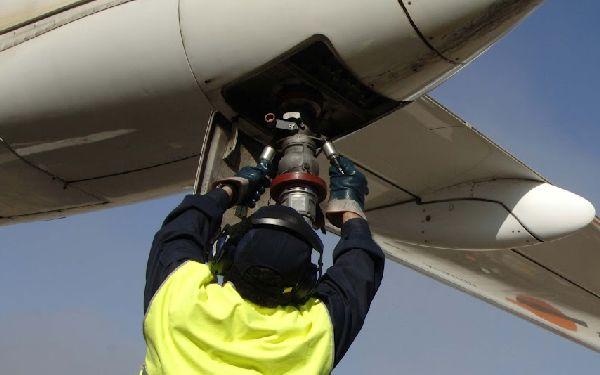 En 2016 se suministraron en los aeropuertos españoles casi 7,5 millones de metros cúbicos de combustible.