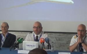 Un momento de la rueda de prensa con Ariel Shocrón, Agustín Guzmán y Javier Gómez Barrero.
