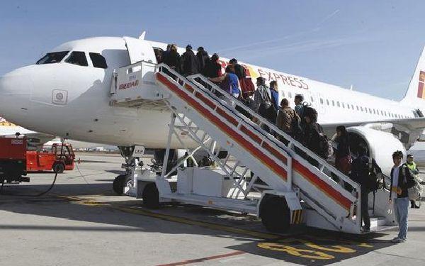 Iberia Express sigue siendo la más puntual.