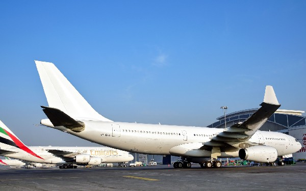 Emirates apuesta fuerte por el Triple7 y el Superjumbo de Airbus.