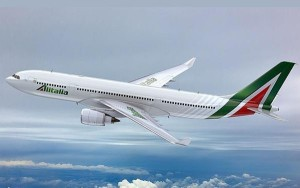 Para remontar el vuelo Alitalia necesita un nuevo propietario.