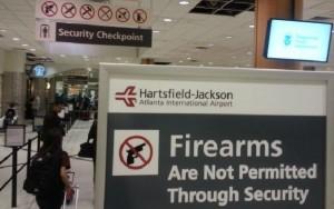 La ley castiga severamente en USA portar armas sin declarar como equipaje.