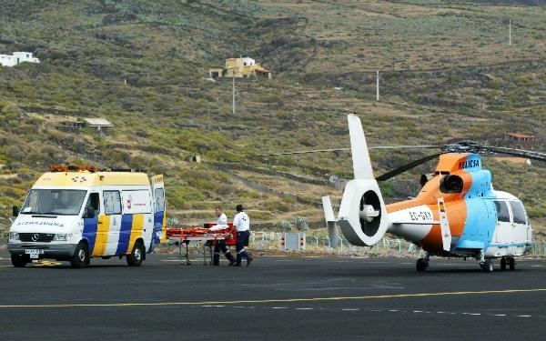 En los territorios insulares, los vuelos ambulancia son el único medio de evacuación rápida.