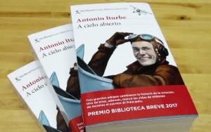 La novela homenajea a los pioneros del correo aéreo.