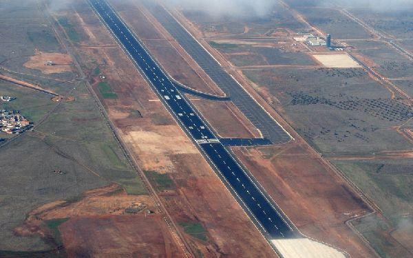 Ciudad Real sería uno de los aeropuertos que encajan en la petición de Podemos.