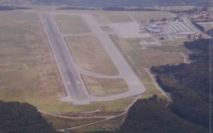 La proximidad del aeródromo deportivo de La Morgal complica la ordenación del tráfico en el aeropuerto asturiano.