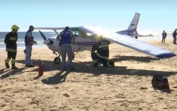 El avión sufrió daños de consideración en la toma.