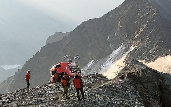 Por fortuna el helicóptero no se deslizó por la pendiente.