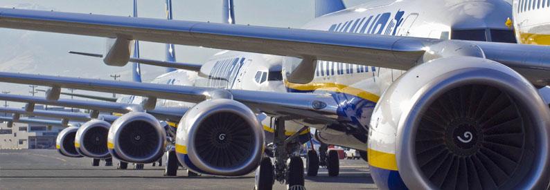 Five Ryanair 737-800 at Boeing Field