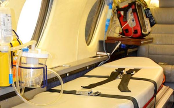 """Los vuelos medicalizados o de transplantes son operados bajo """"status hospital""""."""