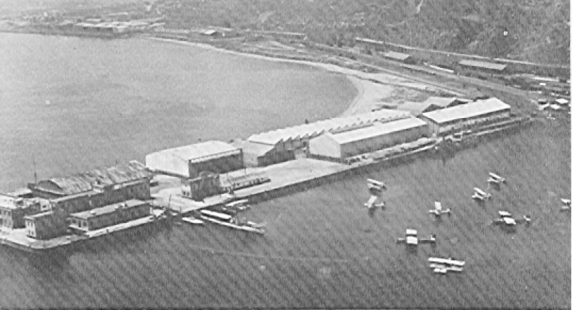 En 1934 el puerto de Barcelona disponía de una importante base de hidroaviones.