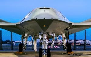 El UAV tendrá encomendada la delicada misión de repostar los cazas de combate en pleno vuelo.