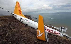 El avión quedó frenado a media pendiente.