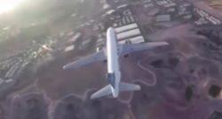 El avión comercial pasó a escasos metros por debajo del dron.