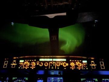 aurora boreal sobre canada