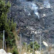La avioneta contra incendios que pilotaba Enrique Carré se estrelló en la ladera mallorquina donde participaba en la extinción de un fuego. Falleció.