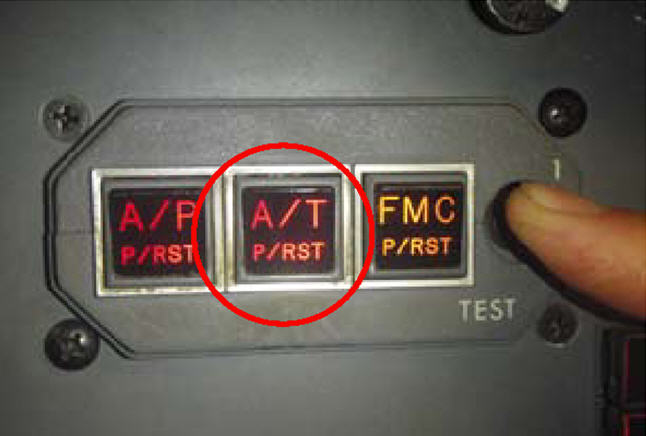 Autothrottle red warning of disengagement
